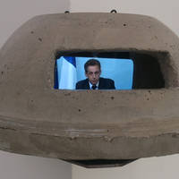 Paul Horn, bunker no 20, mixed media object (reinforced concrete, video), 20x22x40 cm, 2013, video: Nicolas Sarkozy